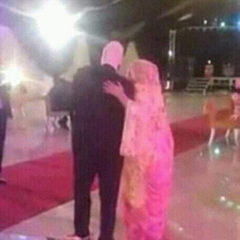 تصرف لمطربة موريتانية يلقى امتعاضا شديدا في مواقع التواصل الاجتماعي