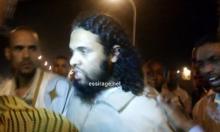 السجين السلفي المفرج عنه محمد سعيد لحظة خروجه من السجن